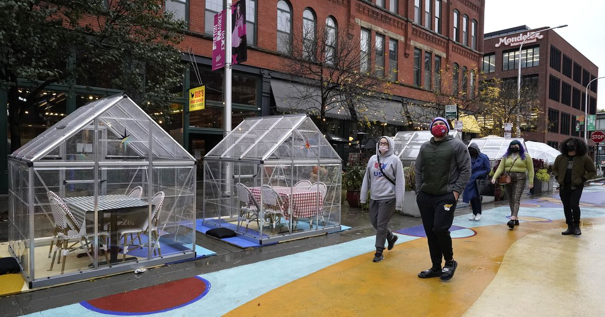 Chicago could face outdoor dining only — just as wintry weather hits and COVID-19 hits harder 1
