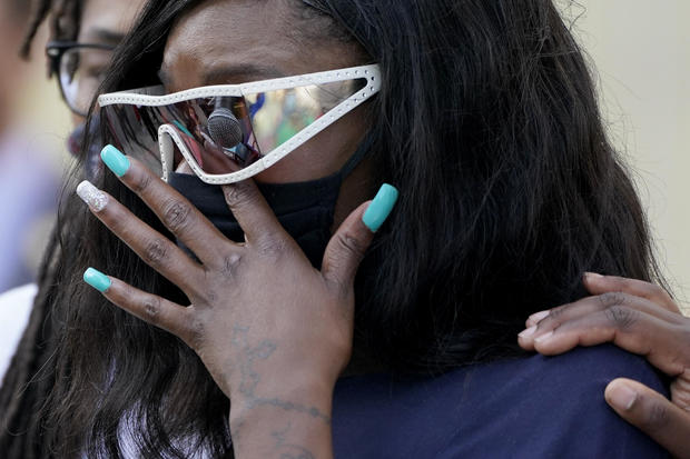 Protests continue over knee-in-back arrest of pregnant Black woman 1