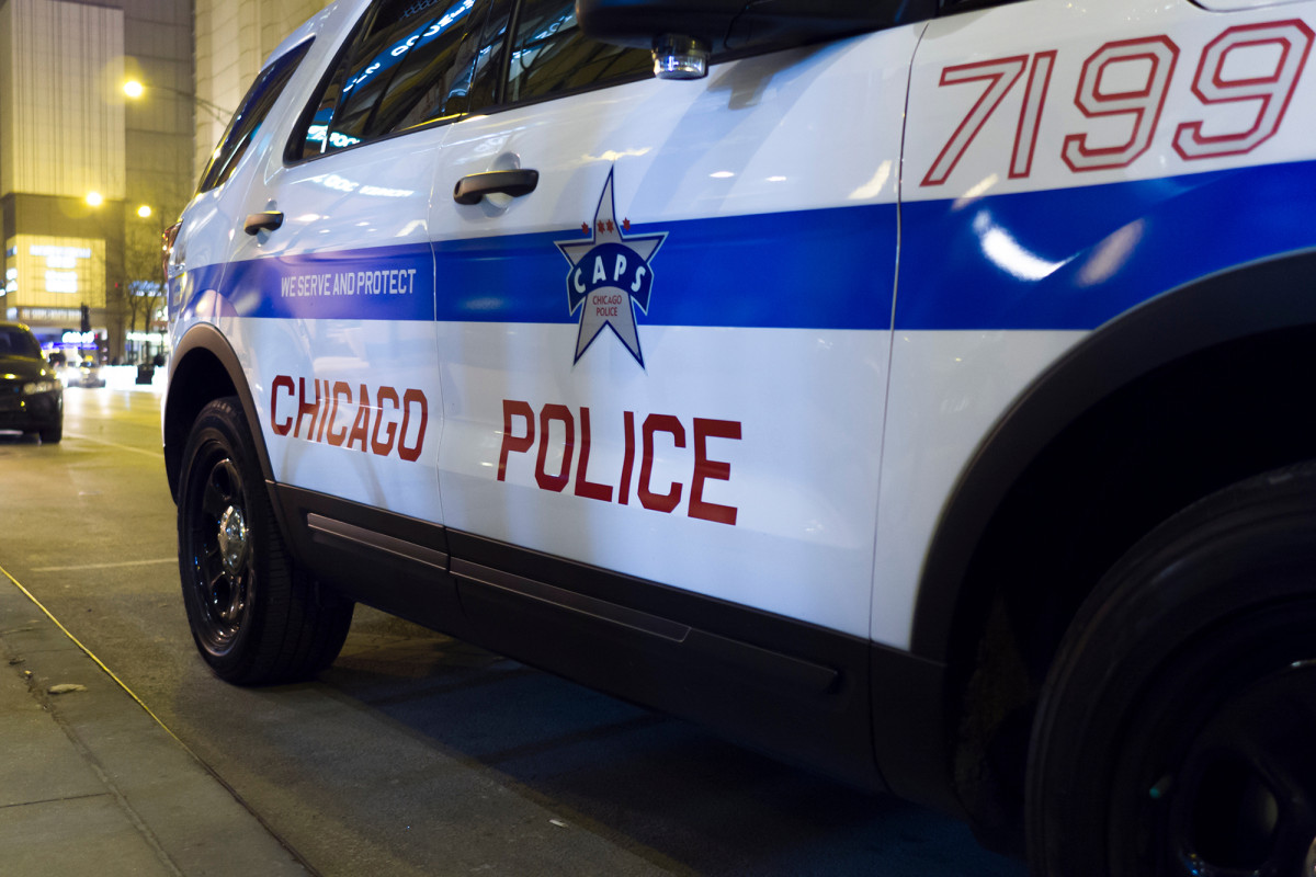 Woman stabs Chicago store worker 27 times after asking her to wear mask 1