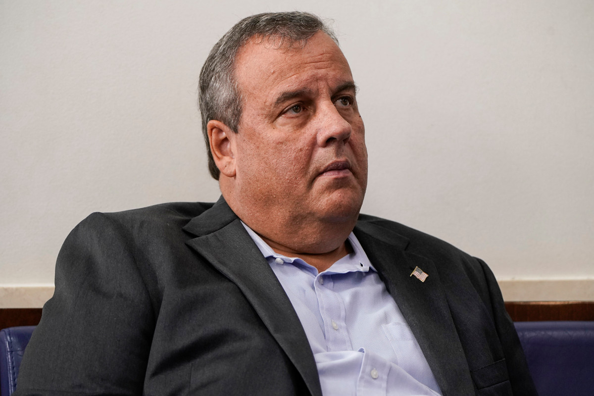 Chris Christie still hospitalized with COVID-19 after five days 1
