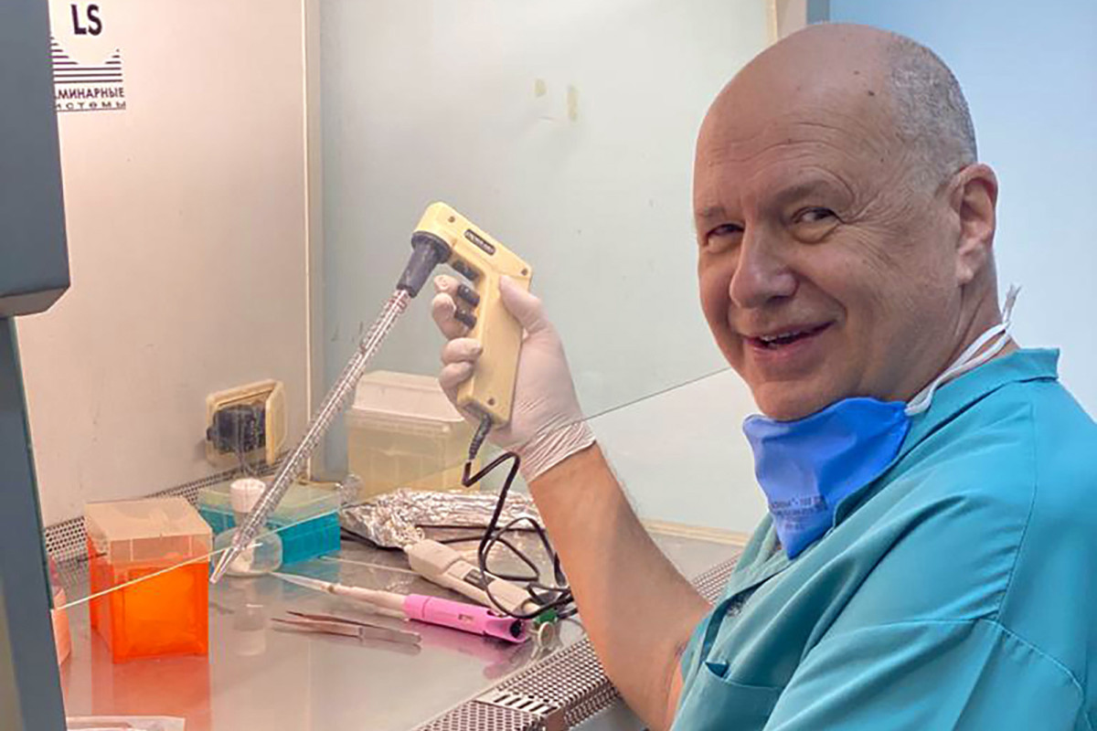 Russian scientist reportedly contracts COVID-19 twice for immunity experiment 1