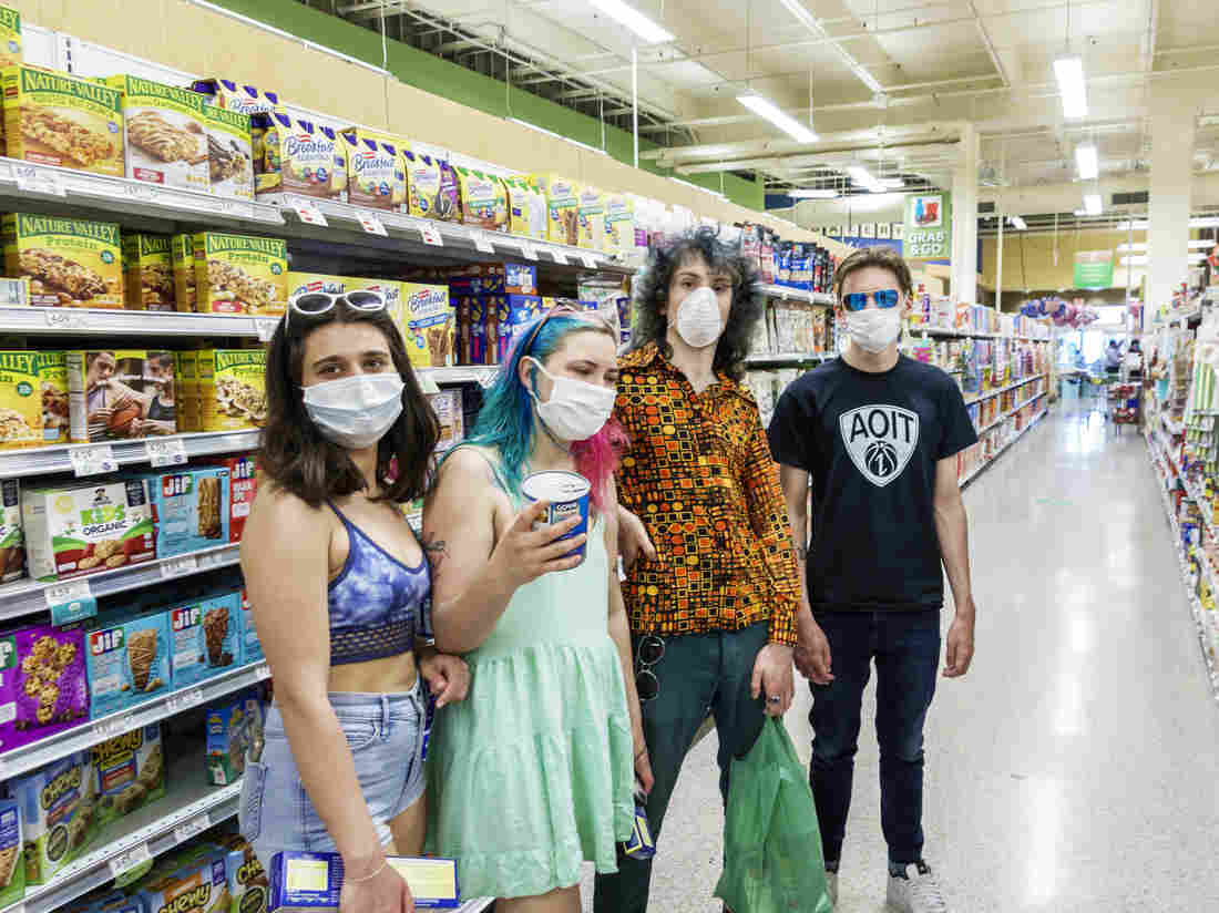 Mask-Wearing Is Up In The U.S., But Young People Are Still Too Lax, CDC Survey Finds 1
