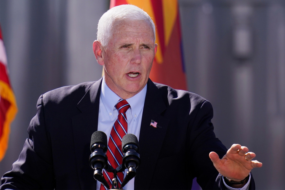 Deadline mistakenly publishes story saying Mike Pence has COVID-19 1