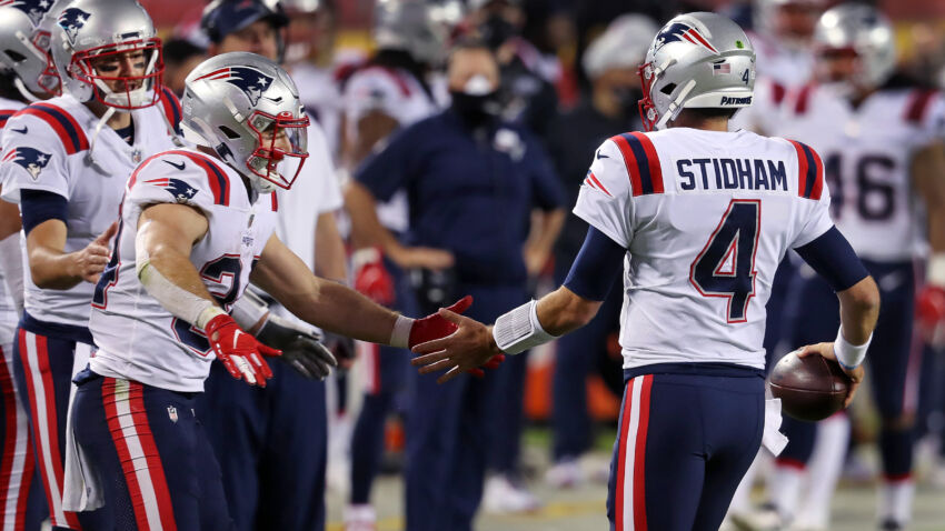 What NFL experts are predicting for Monday's Patriots-Broncos game 1