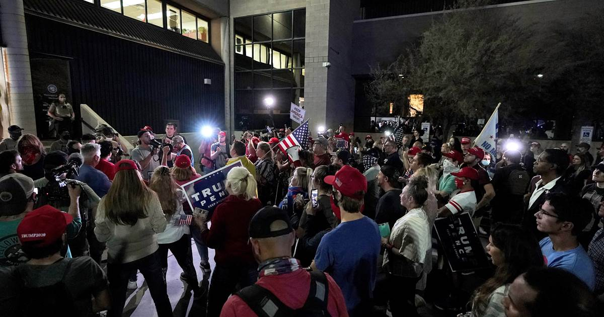 Chanting 'count the votes,' pro-Trump protesters gather outside Arizona counting center 1