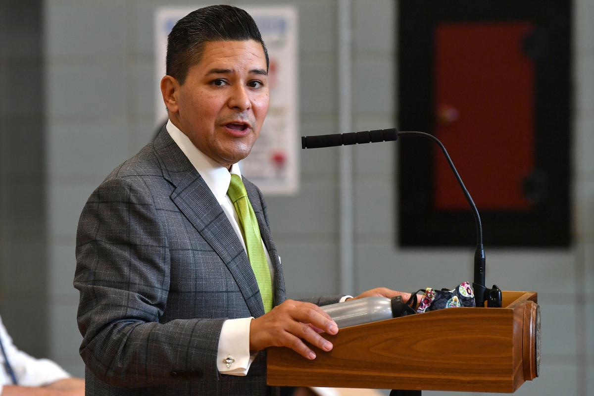 Richard Carranza warns principals to prepare for NYC schools shutdown 1