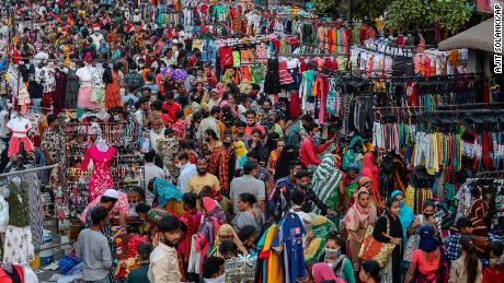 As India prepares to celebrate Diwali, experts warn that coronavirus cases could rise 1