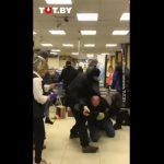 Video shows Belarus police beating protesters inside supermarket 7
