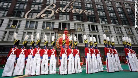 Rockettes perform at Thanksgiving Parade while wearing masks 1