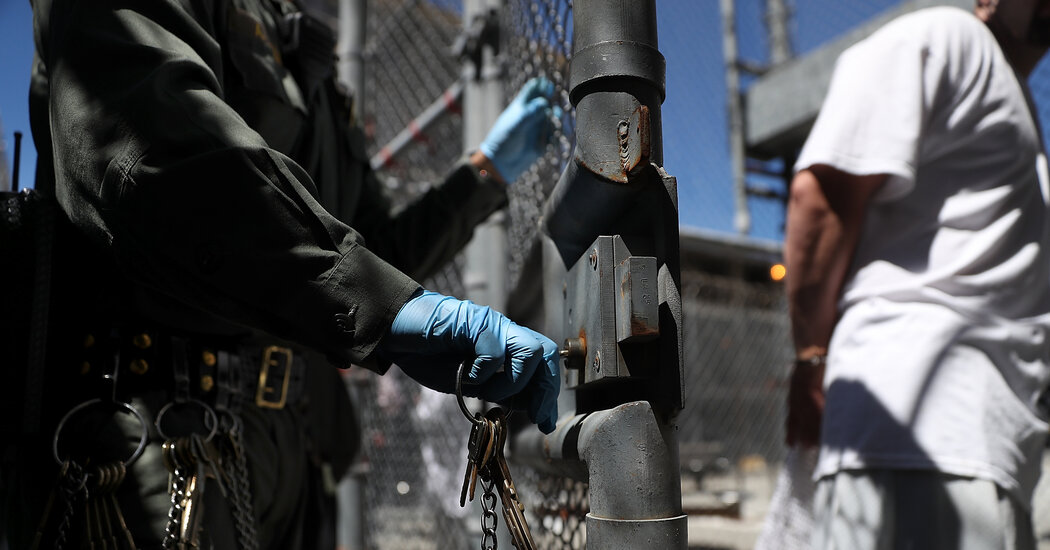 America Is Letting the Coronavirus Rage Through Prisons 1