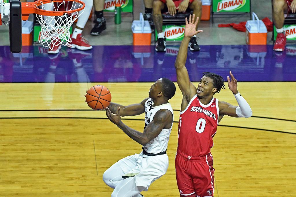 Shorthanded CU Buffs men's basketball pulls away from South Dakota in season opener 1