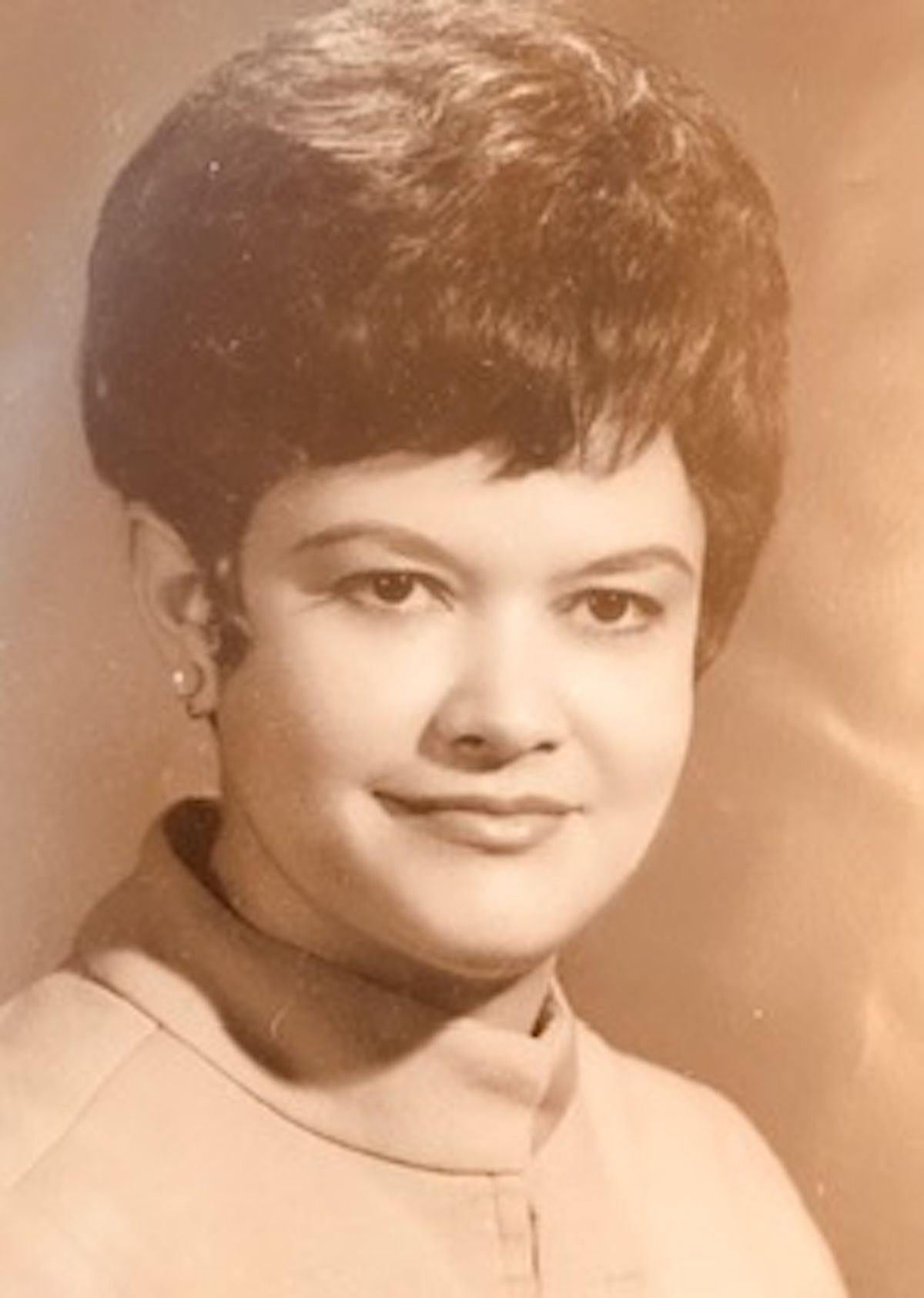 María Cerda, first Latina on Chicago Board of Education, dead of coronavirus at 86 1