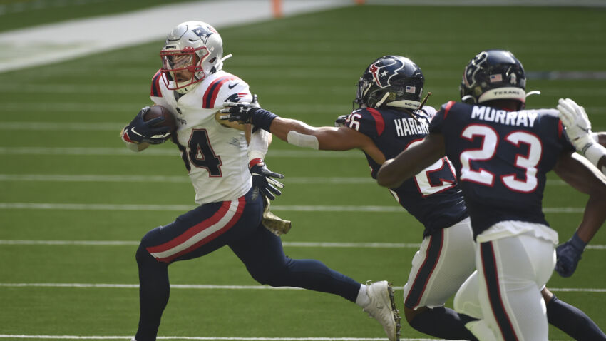 Rex Burkhead leaves Patriots' game against Texans with knee injury 1