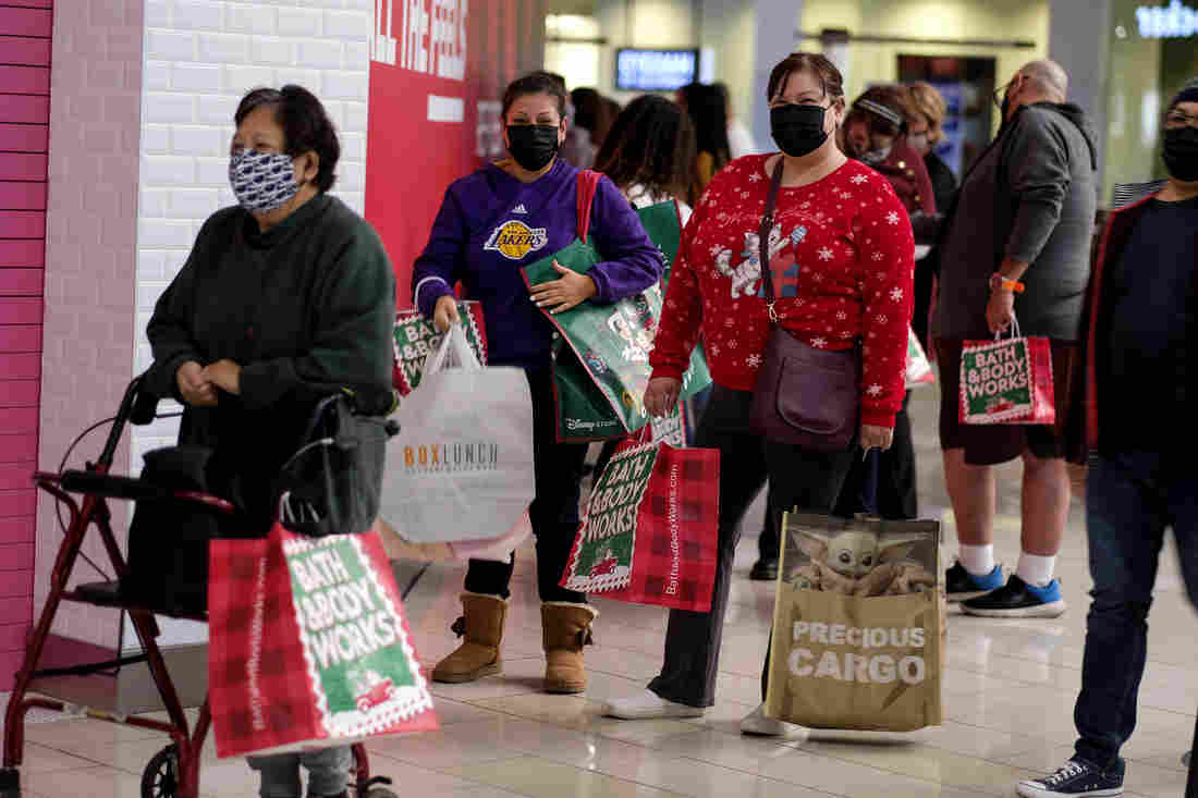 A Black Friday With Masked Shoppers And Booming Online Sales 1