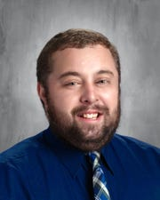 Iowa teacher, 38, dies days after testing positive for COVID-19: 'There's a lot of sadness' 1