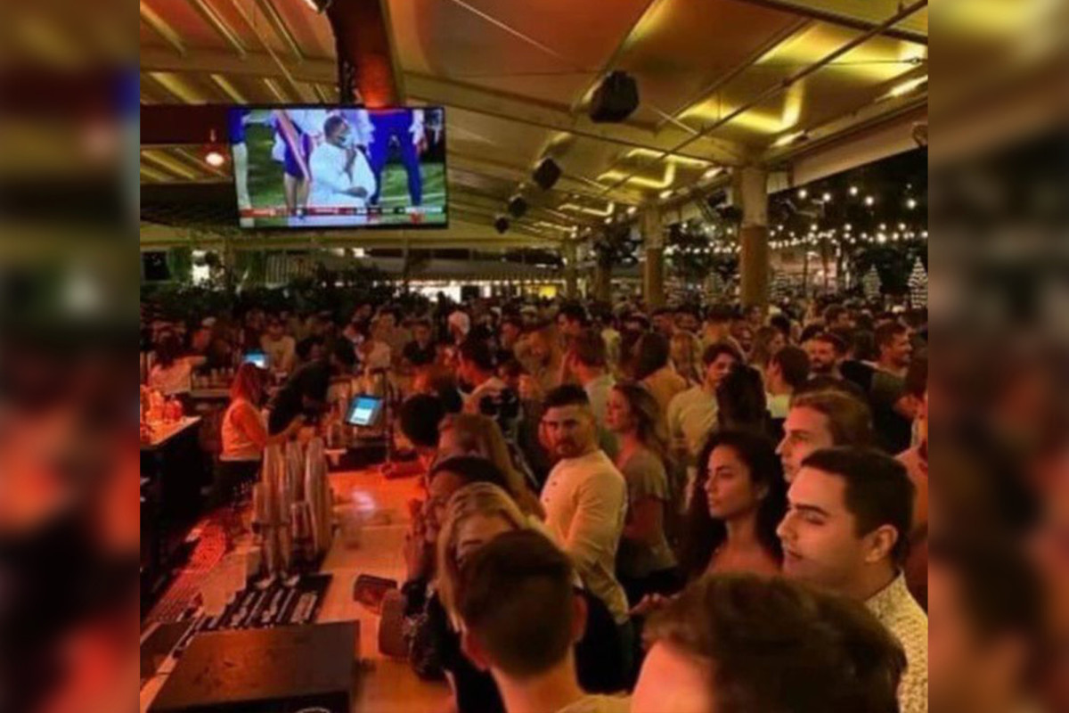 Florida bar quickly closes after it's packed with maskless crowds at reopening 1