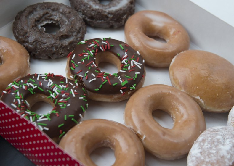 Police Officer Sacked After Buying $13 of Krispy Kremes for 9 Cents 1