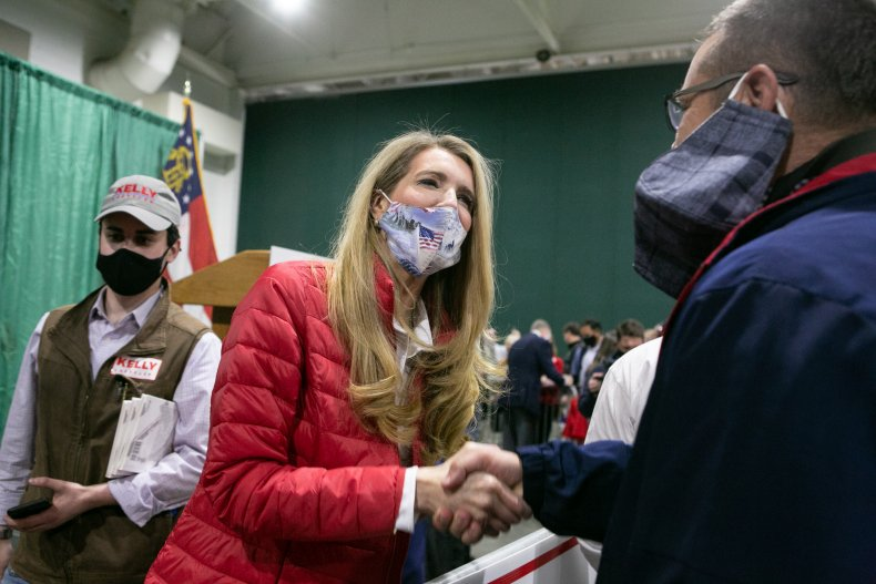 Kelly Loeffler Joins Growing List of GOP Senators in Quarantine After COVID Tests 1