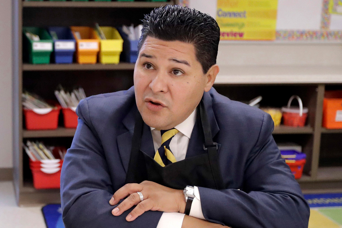 Texas takes over crumbling Houston schools Carranza abandoned for NYC DOE 1