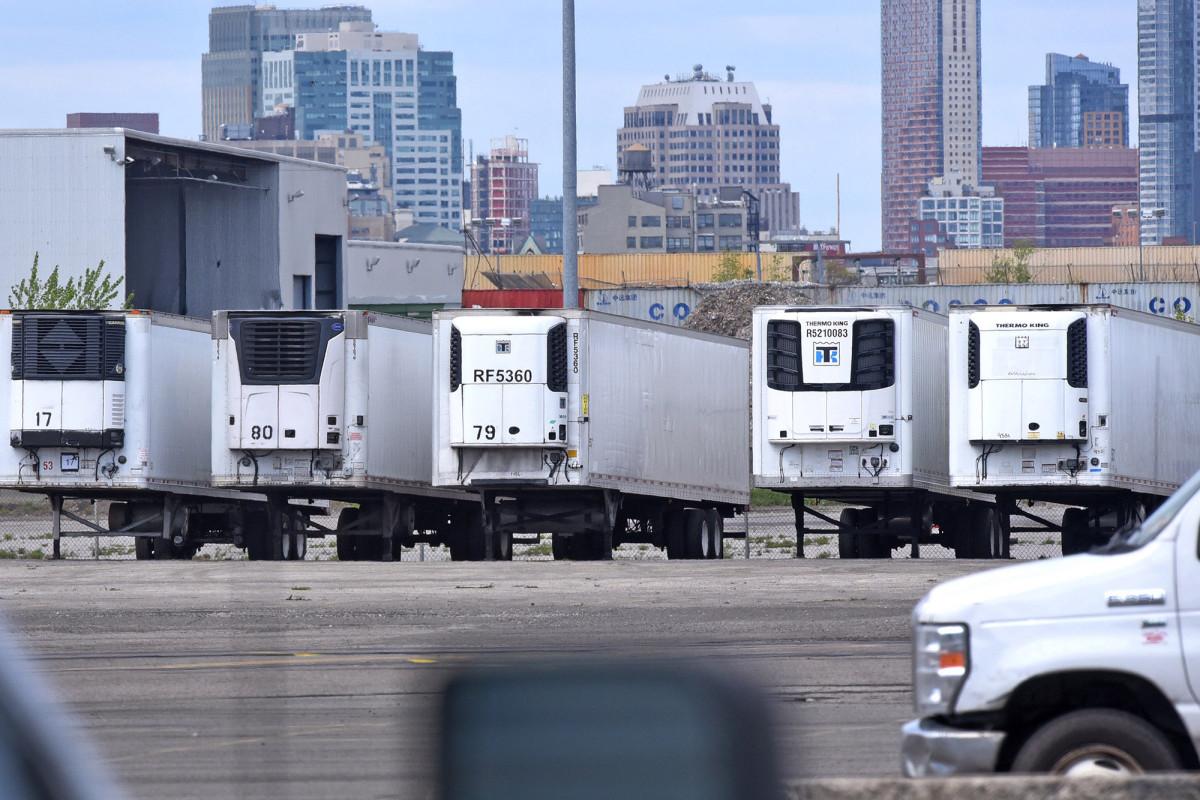 Hundreds of coronavirus-dead remain in Brooklyn freezer trucks 1