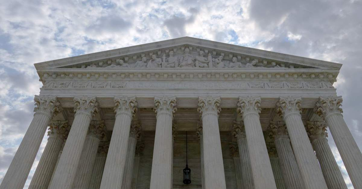 Supreme Court blocks NY coronavirus restrictions on houses of worship 1