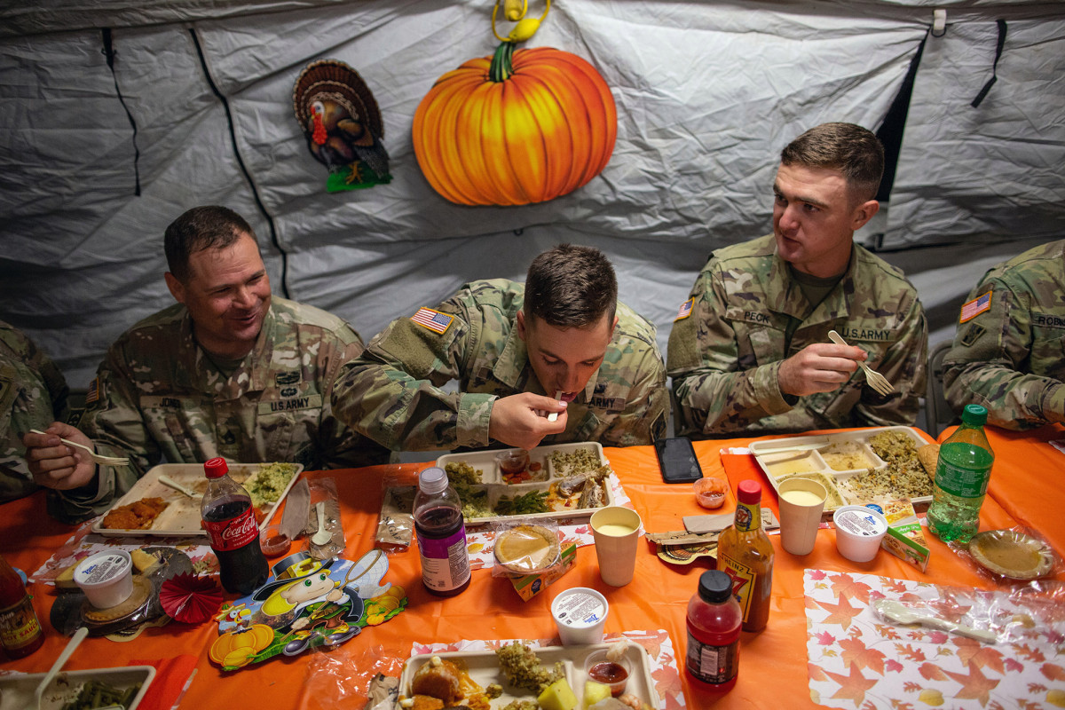 US troops get 'grab-and-go' Thanksgiving meals amid COVID-19 concerns 1