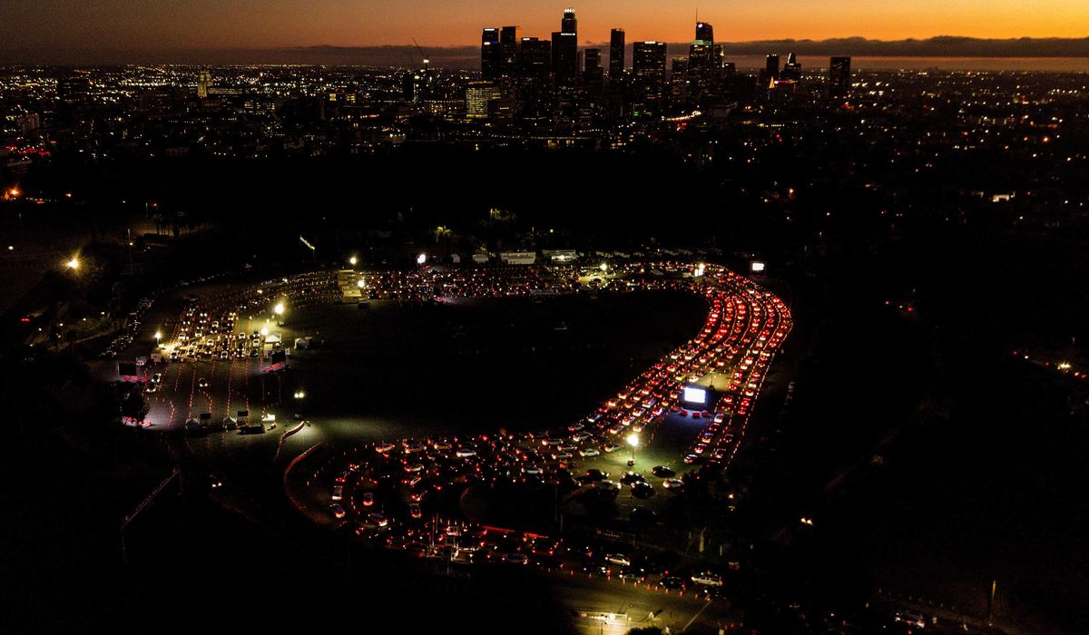 Los Angeles orders more restrictions as coronavirus surges 1