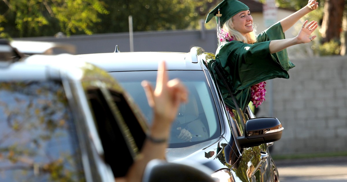 Fewer high school graduates enrolled in college this fall amid COVID-19 pandemic, study shows 1