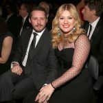 Kelly Clarkson Opens Up About The Hardest Part Of 'Horrible' Divorce 6