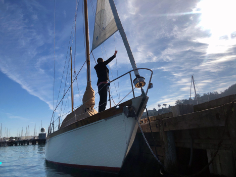 Seized Sausalito sailboat towed to Vallejo Yacht Club after five-day protest 1