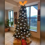 Alabama sheriff's office deletes photos of 'thugshots' Christmas tree after backlash 6