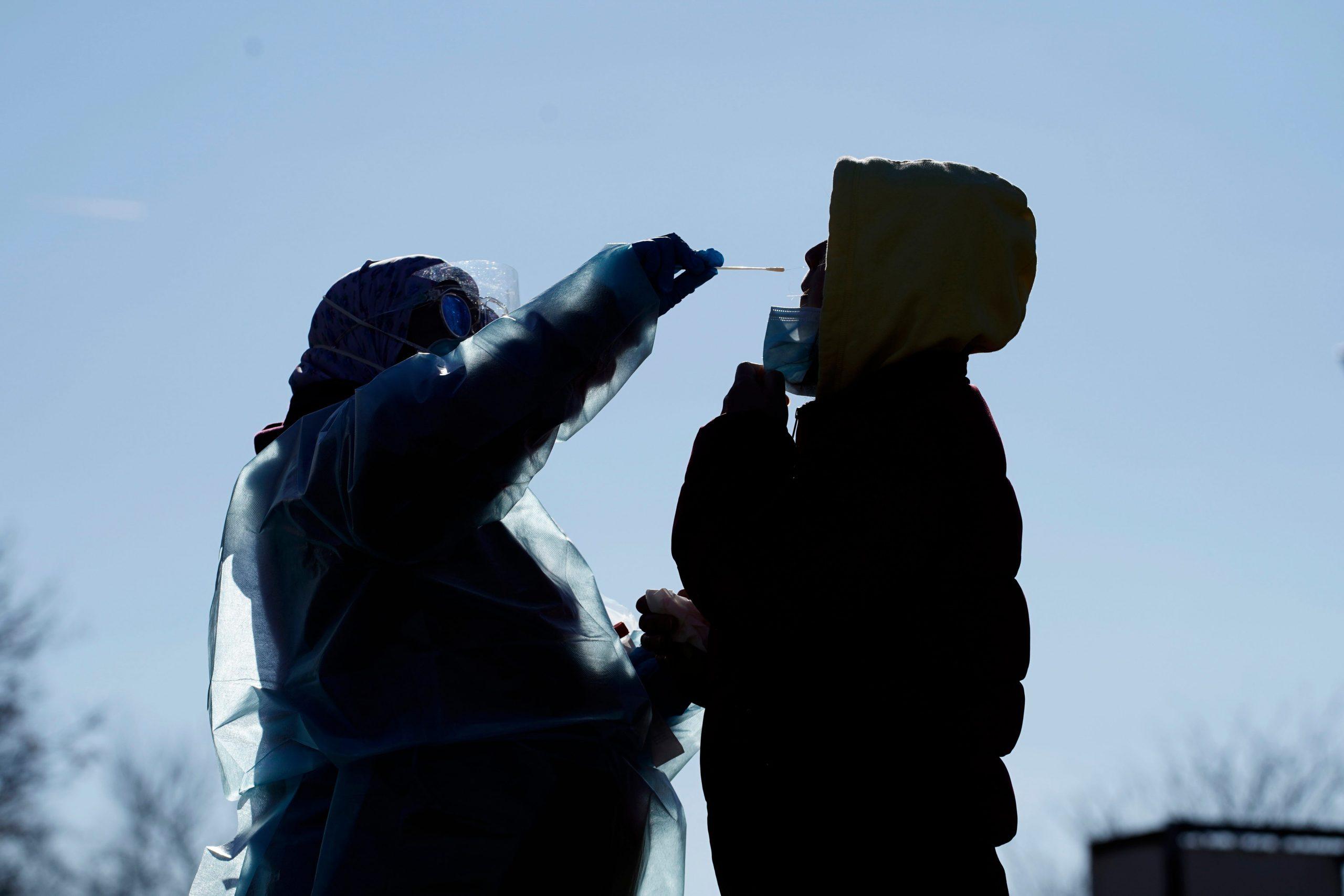 Coronavirus updates: Pfizer vaccine awaits FDA authorization; Boston conference led to 205-300K global cases, study says; 292K US deaths 1