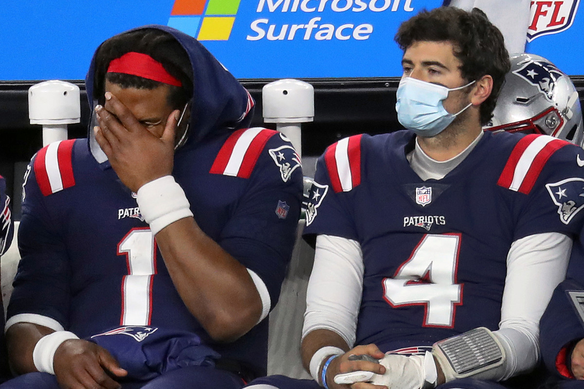 Patriots' QB situation a complete mess one year after Tom Brady 1