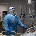 U.S. reaches 100,000 coronavirus hospitalizations 6