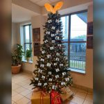 "Alabama sheriff's office slammed for ""thugshot"" Christmas tree decor 7"