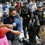 Governor announces new police standard for mass protests 6