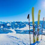 Hundreds of British tourists flee Swiss ski resort to avoid COVID quarantine 7
