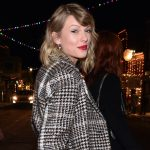 Taylor Swift donates $13K to two moms facing eviction due to COVID-19 5