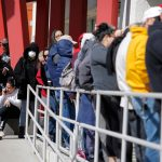 US workers file 853K jobless claims as COVID-19 slams labor market 8