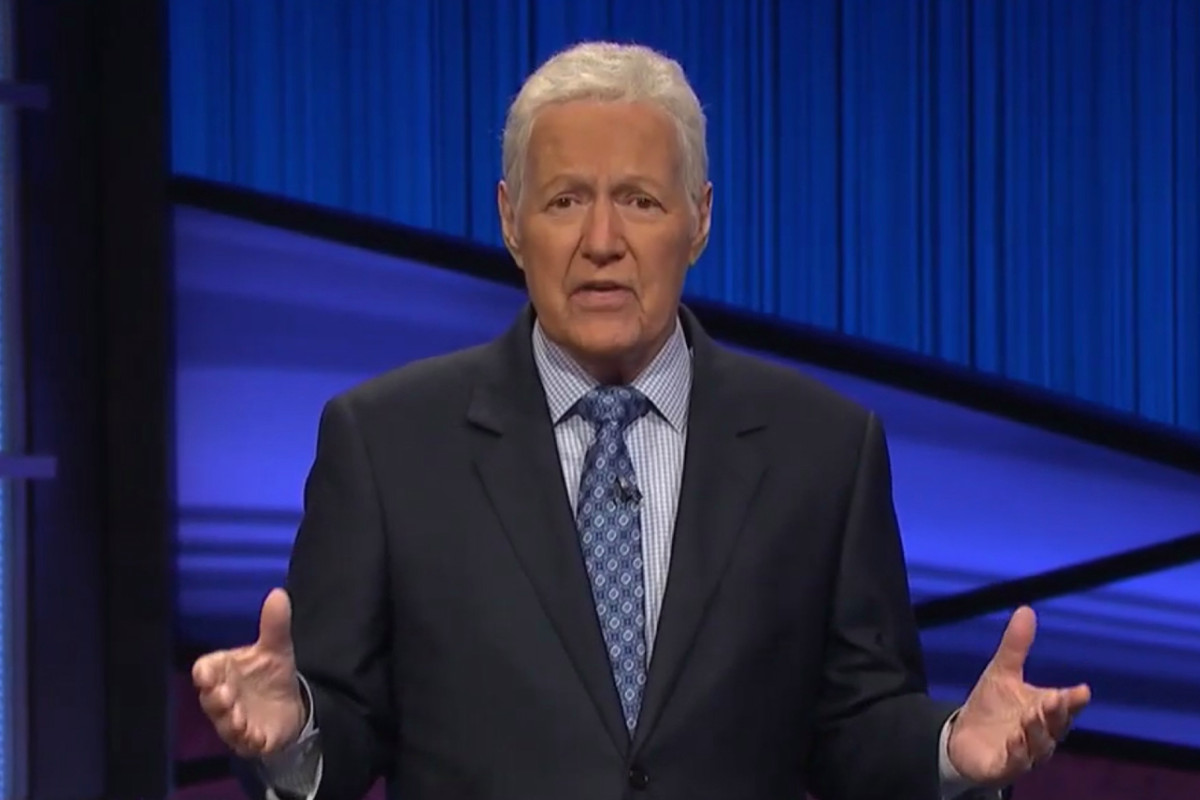 """Alex Trebek's Final 'Jeopardy' Shows Begin With Emotional Message to Viewers: """"Open Up Your Hearts to Those Who Are Suffering"""" 1"""