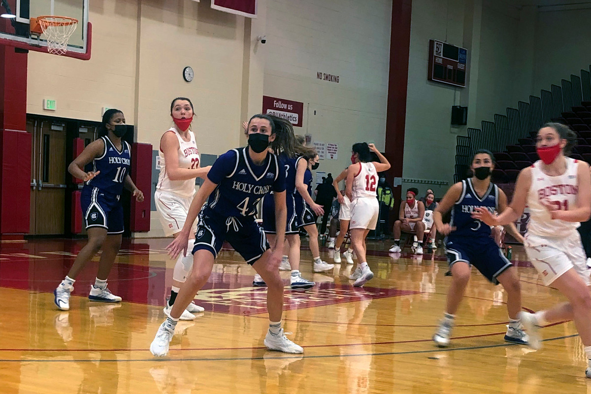 Boston University requiring basketball teams to wear masks in games 1