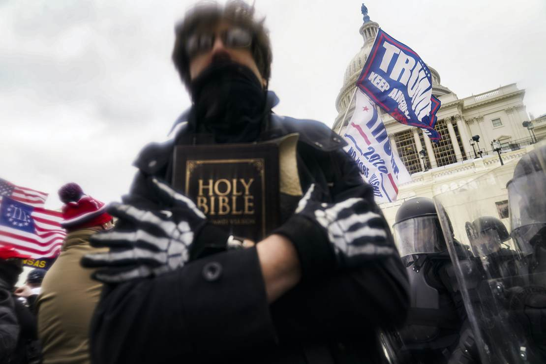 FBI Warns of Plans for Armed Protests in All 50 State Capitols Around Biden Inauguration 1