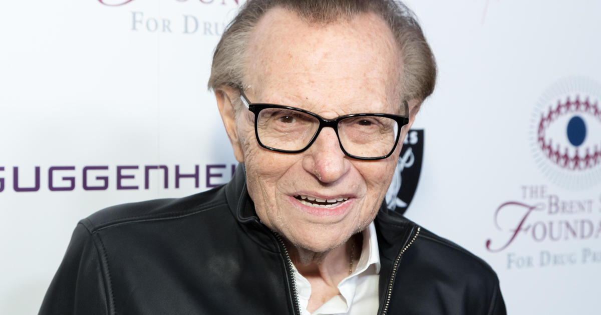 Larry King moved out of ICU amid coronavirus battle 1