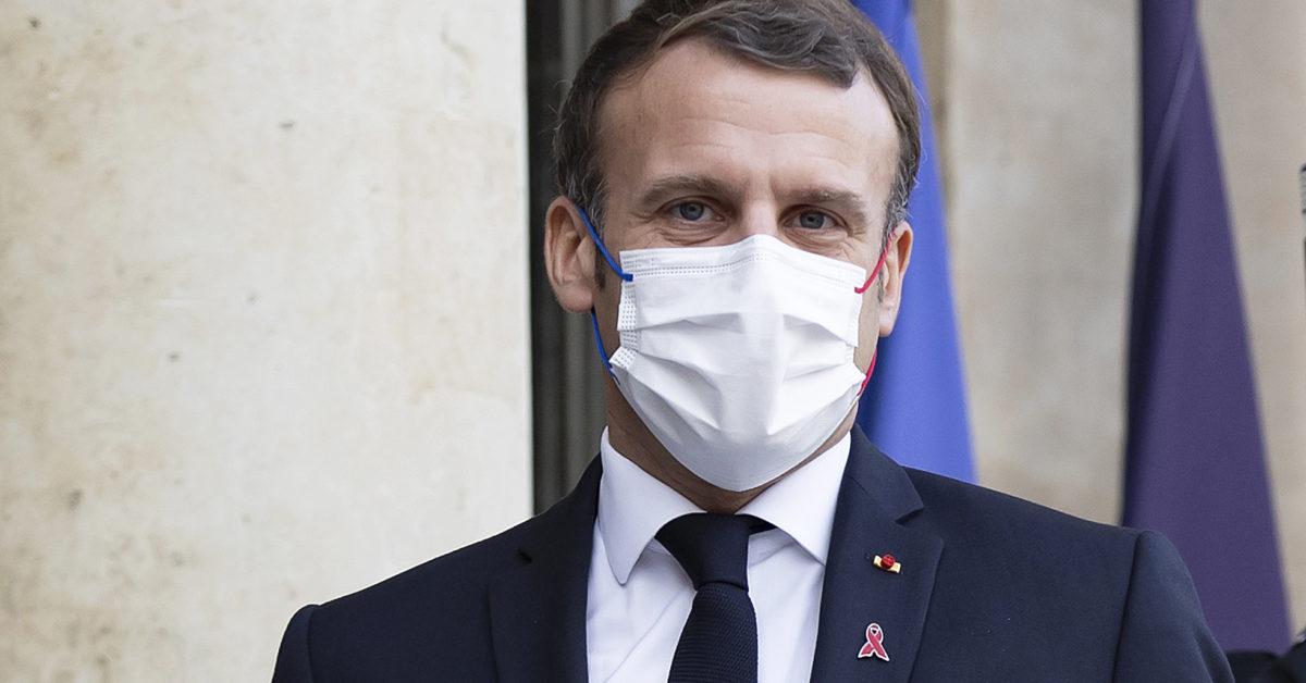 Sluggish coronavirus vaccination rollout poses risks for Macron 1