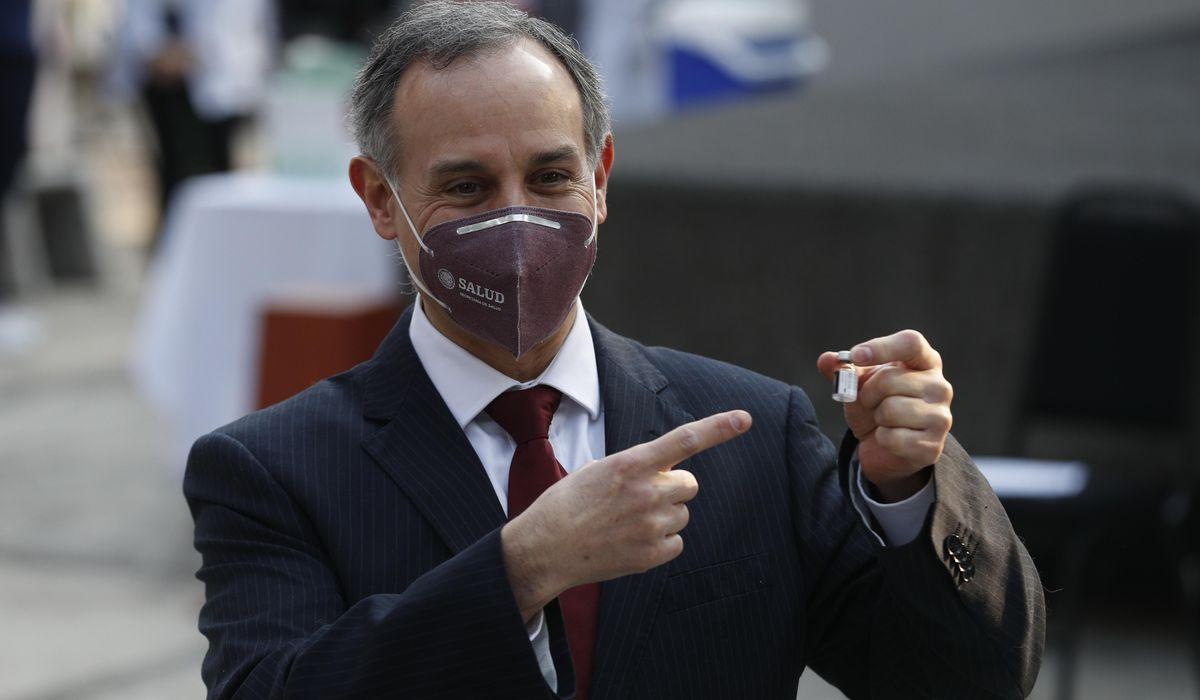 Mexico's point-man on coronavirus seen vacationing, maskless 1