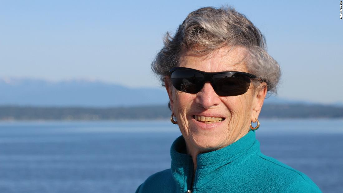 A 90-year-old Seattle woman walks six miles in snow to get her Covid-19 vaccine 1