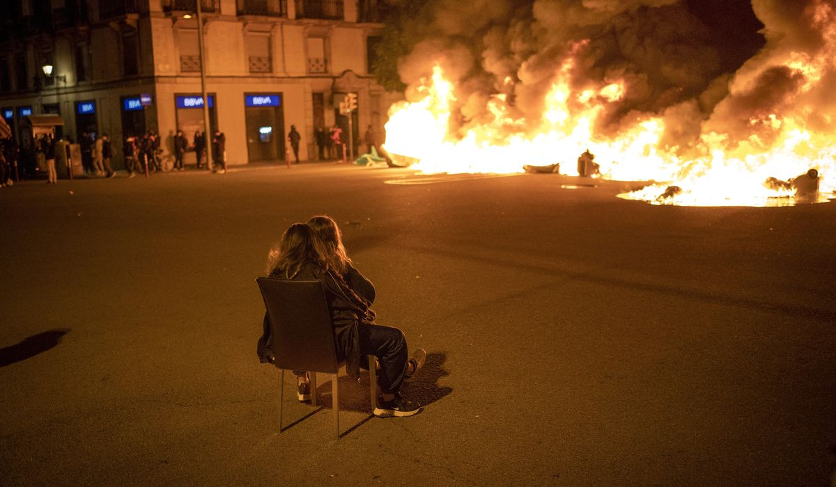 Spain: Peaceful protests for jailed rapper see more clashes 1