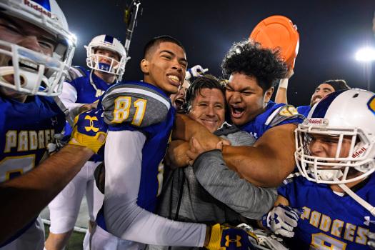 Coronavirus: California lifts ban on high school football, some other sports 1