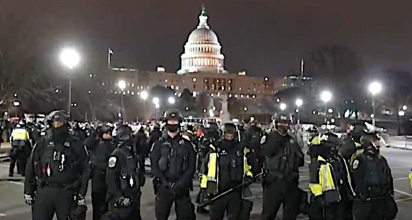 U.S. investigating possible ties between Roger Stone, Alex Jones, Capitol rioters 1