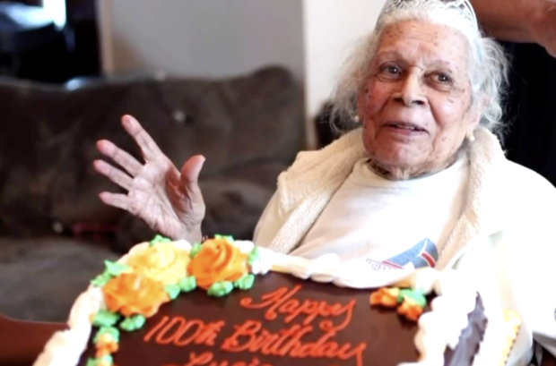 105-year-old woman beats COVID-19 1